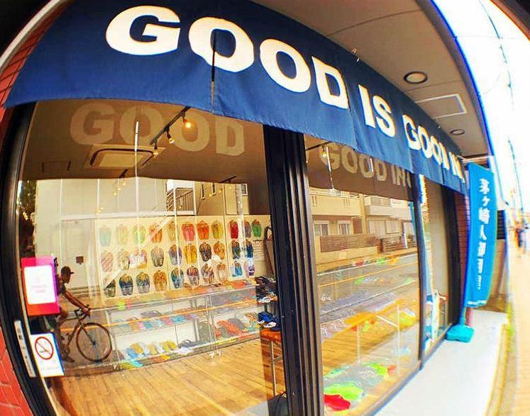 茅ヶ崎人御用達でおなじみの GOOD IS GOOD 湘南オリジナルカラー湘南ネイビー。 ギョサンは50年以上滑りずらいサンダルとして愛されていて、最近ではファッション業界からも注目を集めている。