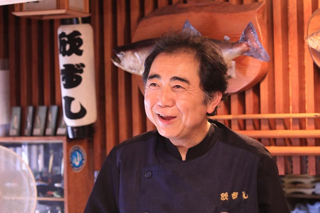茅ヶ崎でとれた魚に、塩だけを加えて発酵させた旨味調味料です。無添加食品ですので、離乳食からエスニックまで幅広く色々な料理にお使い頂けます。